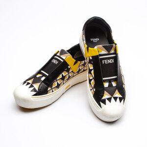 Loafers Fendi Couro em Preto, Branco e Amarelo