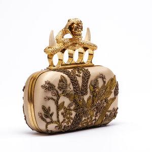 Clutch Alexander Mcqueen Skull Box Cobra Bege/Dourada