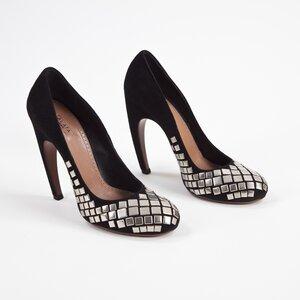 Sapato Alaia em camurça preto com taxas