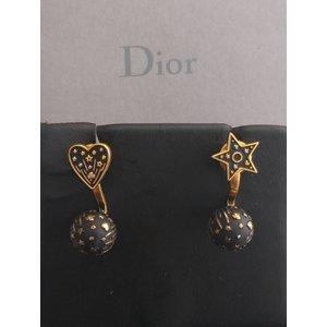 Brinco Dior em preto com dourado