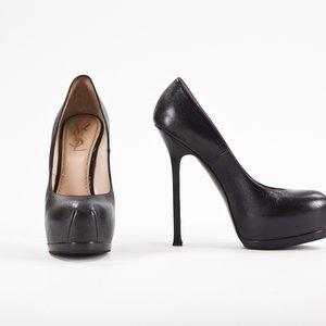 Sapato YSL em couro preto