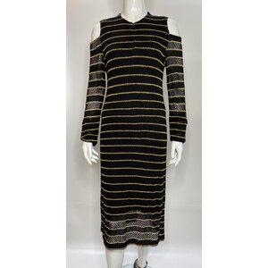 Vestido Kika Simonsen em crochê preto e fios dourados