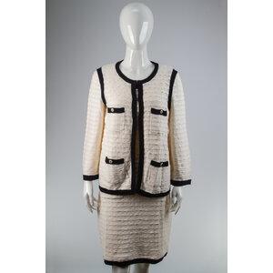 Vestido com Cardigan Chanel Off White /Azul Marinho