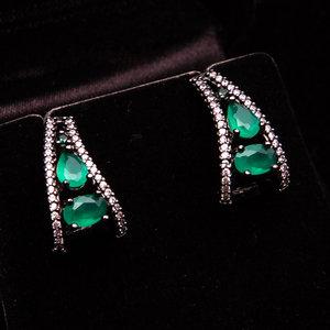 Brincos Carat Bijouteria Ródio e Pedra Verde