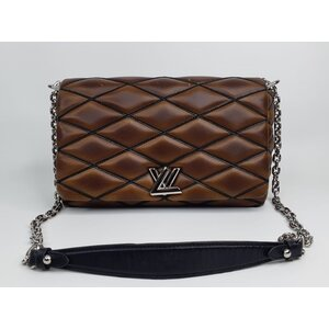Bolsa Louis Vuitton Malletage MM Marrom
