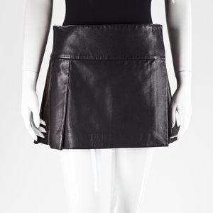 Saia Givenchy em couro preta
