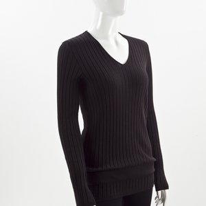 Malha Chanel preta com cinto em couro