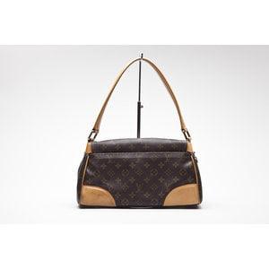 Bolsa Louis Vuitton Bervely MM em logo marca