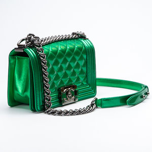Bolsa Chanel Boy Small Verde em Verniz