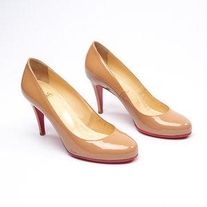 Sapato C. Louboutin Nude