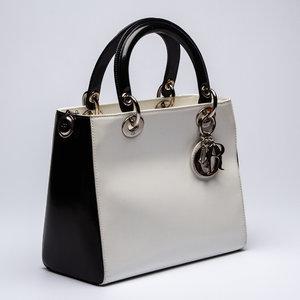 Bolsa Christian Dior Lady Di Couro Envernizado Preto/Bco
