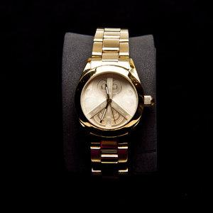 Relógio Gás em dourado