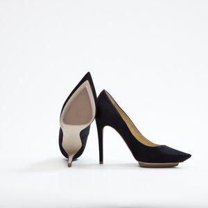 Sapato Stella McCartney em cetim preto