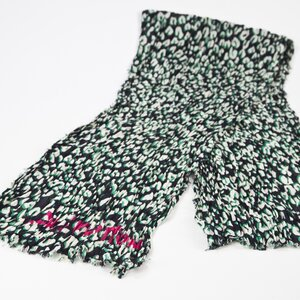 Lenço Loius Vuitton em seda estampado verde/preto/bco