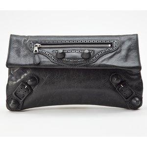 Clutch Balenciaga Envelope Giant em couro preta