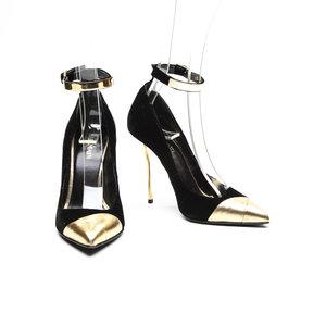 Sapato Balmain em camurça preto com dourado