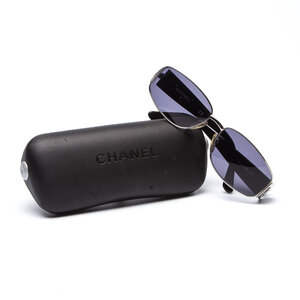 Óculos Chanel Acetato E Cromado Lente Cinza