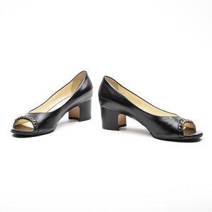Sapato Chanel em Couro Preto