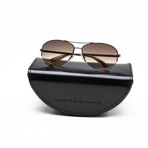 Óculos Marc Jacobs aviator cinza