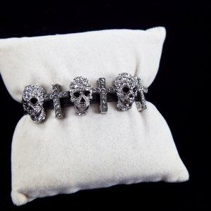 Pulseira Butler & Wilson 3 skulls strap bracelet
