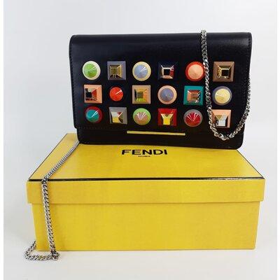 Bolsa Fendi Wallet On Chain Preta Studded