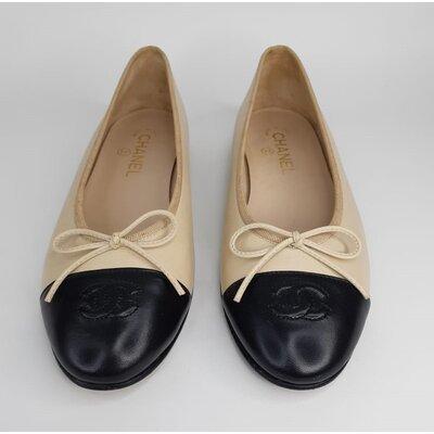 Sapatilha Chanel Clássica Bicolor Bege e Preto