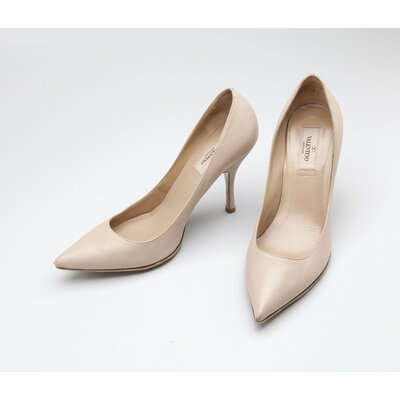 Sapato Valentino em couro bege