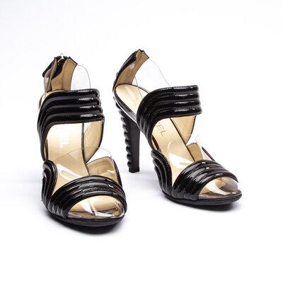 Sapato Chanel Verniz/Transparente Preto