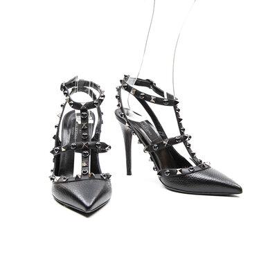 Sapato Valentino com Studs Preta