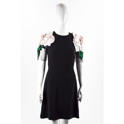 Vestido Dolce & Gabbana em Crepe Preto com Flor Rosa
