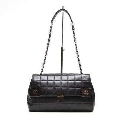 Bolsa Chanel em couro preta