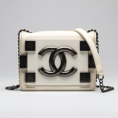 Mini Bolsa Chanel Boy Brick Branca