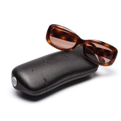 Óculos Chanel Acetato Hastes Matelasse
