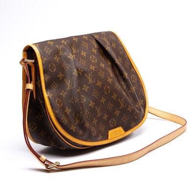 Bolsa Louis Vuitton Menilmontant MM em Couro Monograma