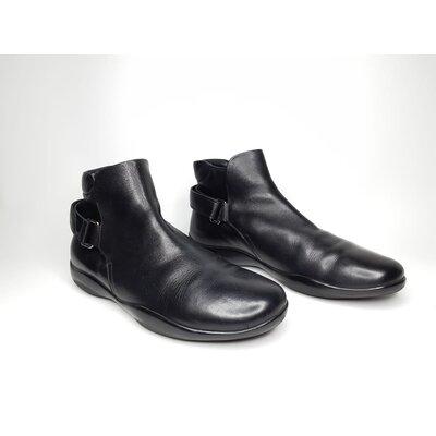Ankle Boots Prada em Couro Preto