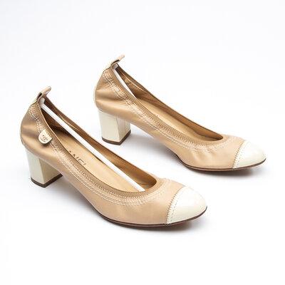 Sapato Chanel Couro/Verniz Bege