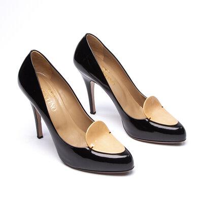 Sapato Valentino Verniz Preto e Bege