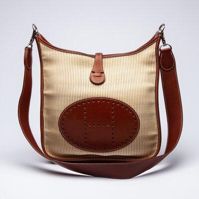 Bolsa Hermès Evelyne PM III 29 em Toile e Couro Caramelo e Off