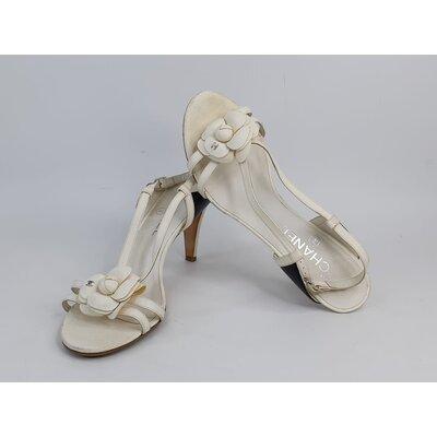 Sandália Chanel Couro Off White