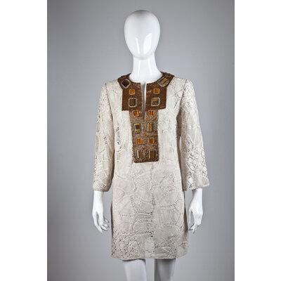 Vestido Martha Medeiros bege em renda com bordado