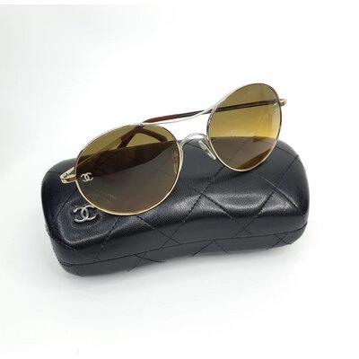 Óculos Chanel Miroir Dourado com Marrom