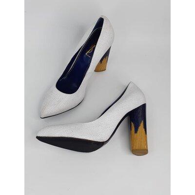 Sapato Couro Yves Saint Laurent Couro Cinza Claro Azul