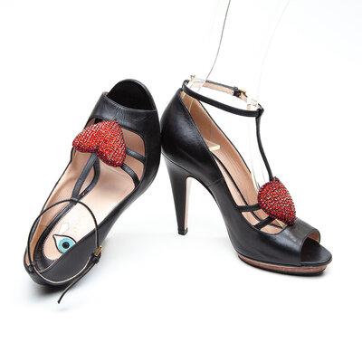 Sapato Gucci Couro/Coração Preto
