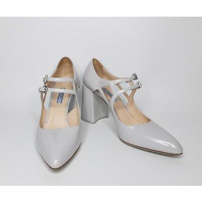 Sapato Prada em Couro Gelo