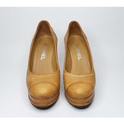 Sapato Chanel em Couro Caramelo