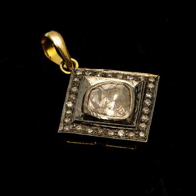 Pingente Indiano Vintage Lasca De Brilhante Banho de Ouro 18
