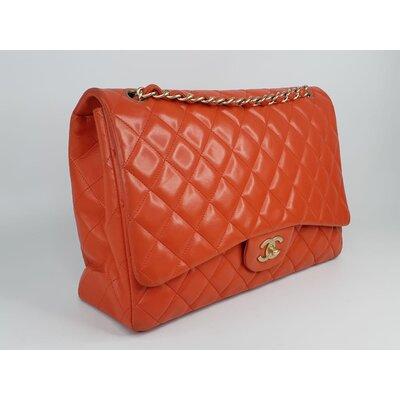 Bolsa Chanel Classic Flap Maxi Lambskin Coral
