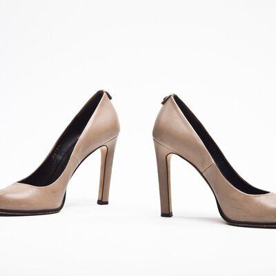 Sapato Gucci em couro kaki