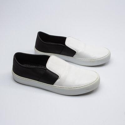 Loafers Chanel Couro Preto e Branco