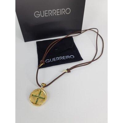 Cordão Guerreiro com pingente Cacá de Souza em Ouro e Esmeralda